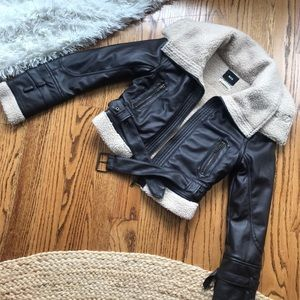 ❤️ BDG - UO - Faux Leather/Sherpa Lined Bomber ❤️